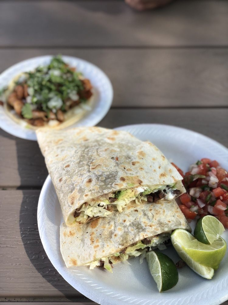 Tacos La Bonita - Los Mejores Antojitos: 24729 S Mercy Springs Rd, Los Banos, CA