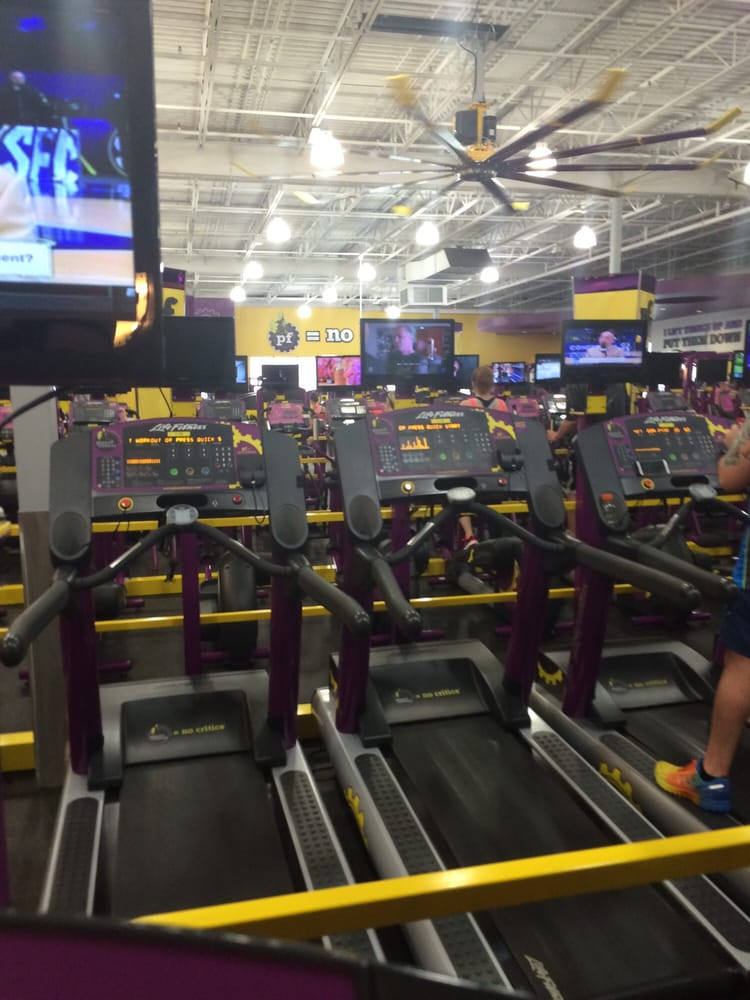 Planet Fitness: 2399 Meadowbrook Rd, Bridgeport, WV