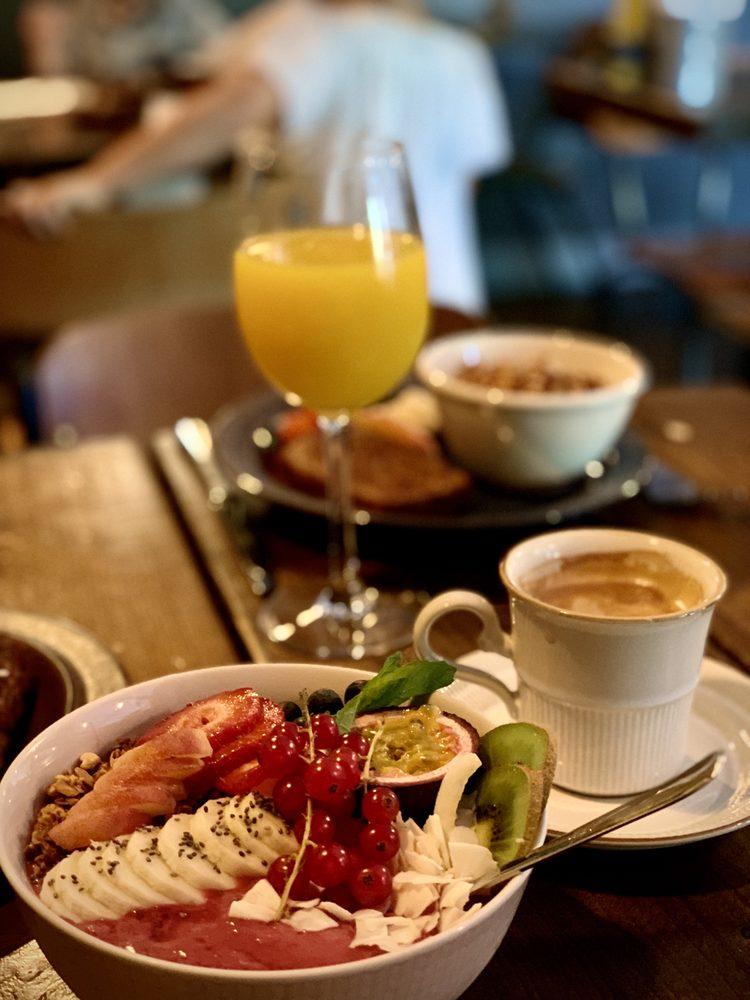 Breakfast Society