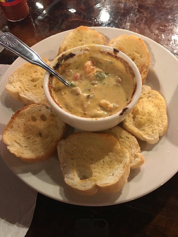 SwampTails Restaurant: 130 1st Ave E, Oneonta, AL