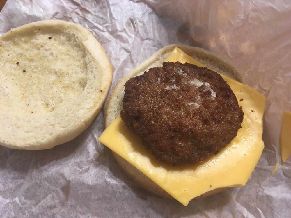 Nesmith's Hamburgers: 14396 Court St, Moulton, AL