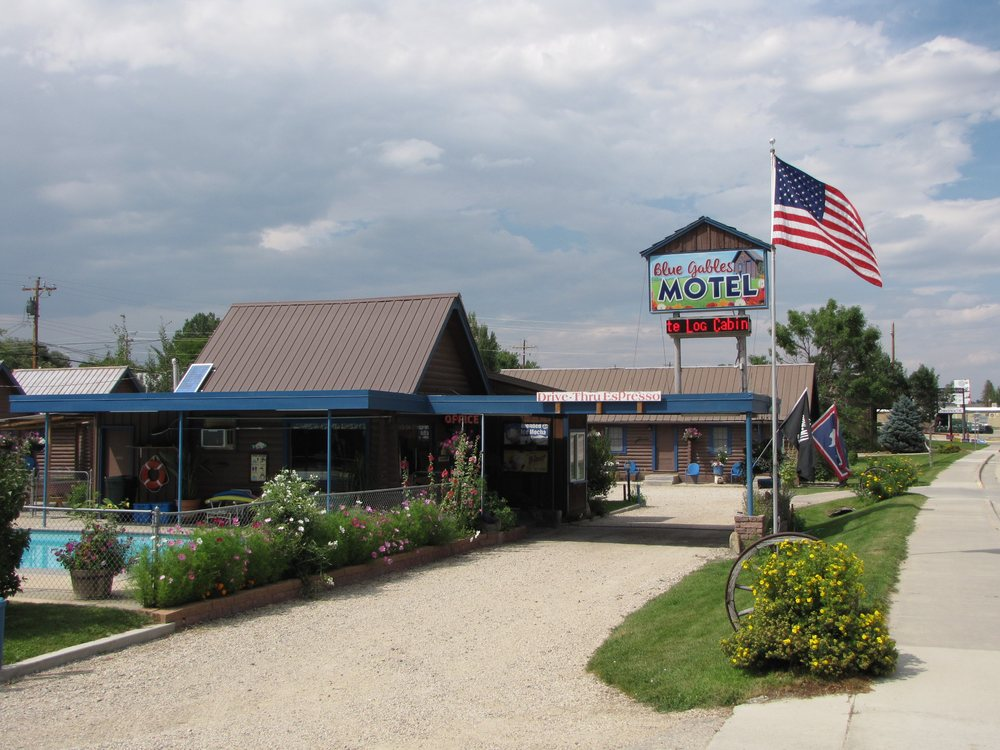Blue Gables Motel: 662 N Main St, Buffalo, WY