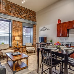 Stay alfred vacation rentals banner lofts 60 photos for Cabins to stay in nashville tn