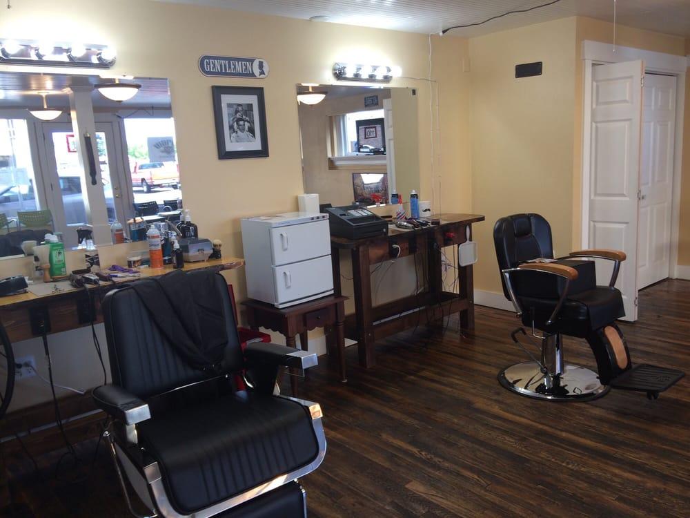 Ward's Barbershop: 110 W Maple St, Centralia, WA