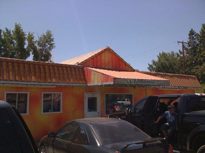 Taqueria La Tapatia: 400 S Butte St, Dorris, CA
