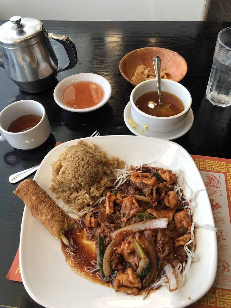 Chi Family Restaurant: 819 Woodlawn Rd, Lincoln, IL