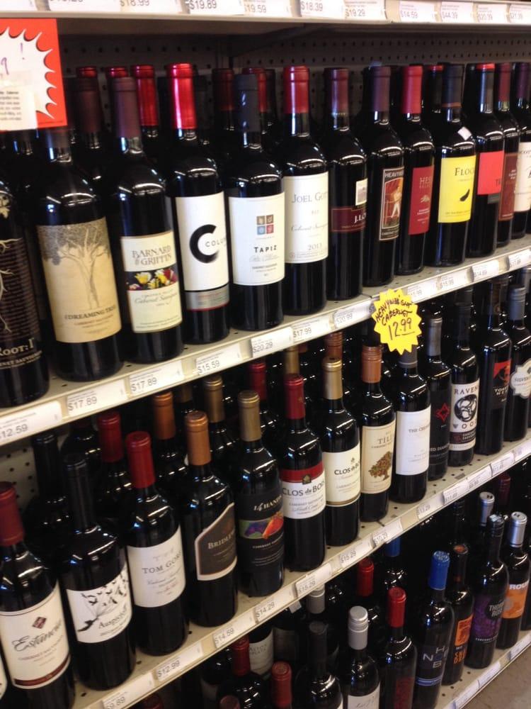 Beverage Place: 111 E State Hwy 260, Payson, AZ