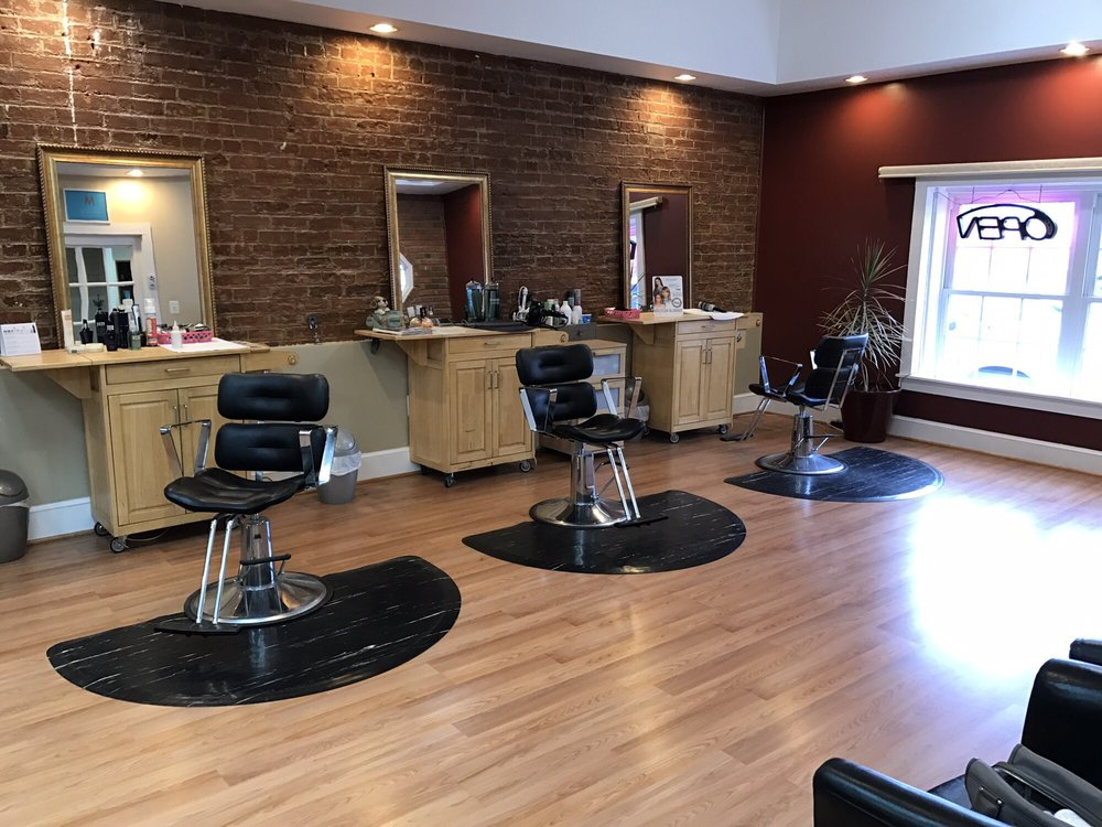 Salon on Main: 217 E Main St, Remington, VA