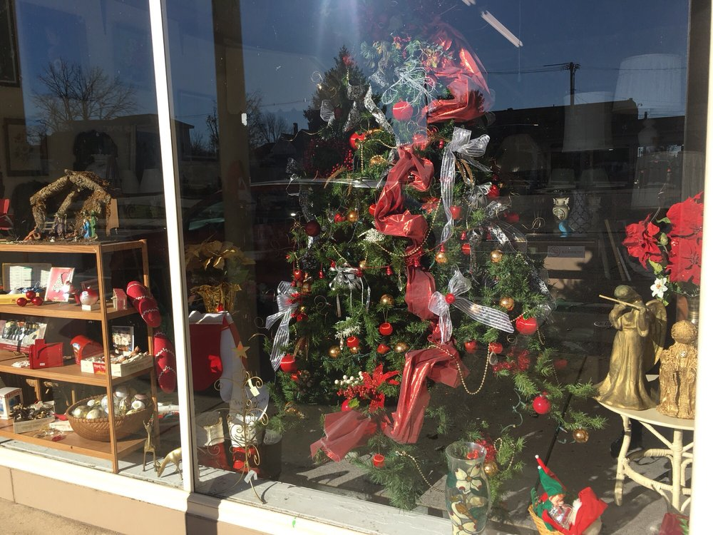 La Rose On Main Antique Mall: 124 W Main St, Crawfordsville, IN