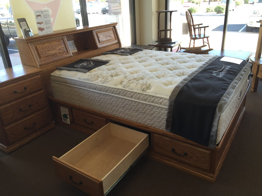 od o t456 q traditional oak queen platform bed 61 5 w x 81 5 d