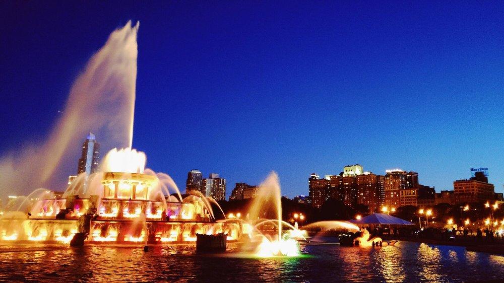 Photo of Buckingham Fountain - Chicago, IL, United States