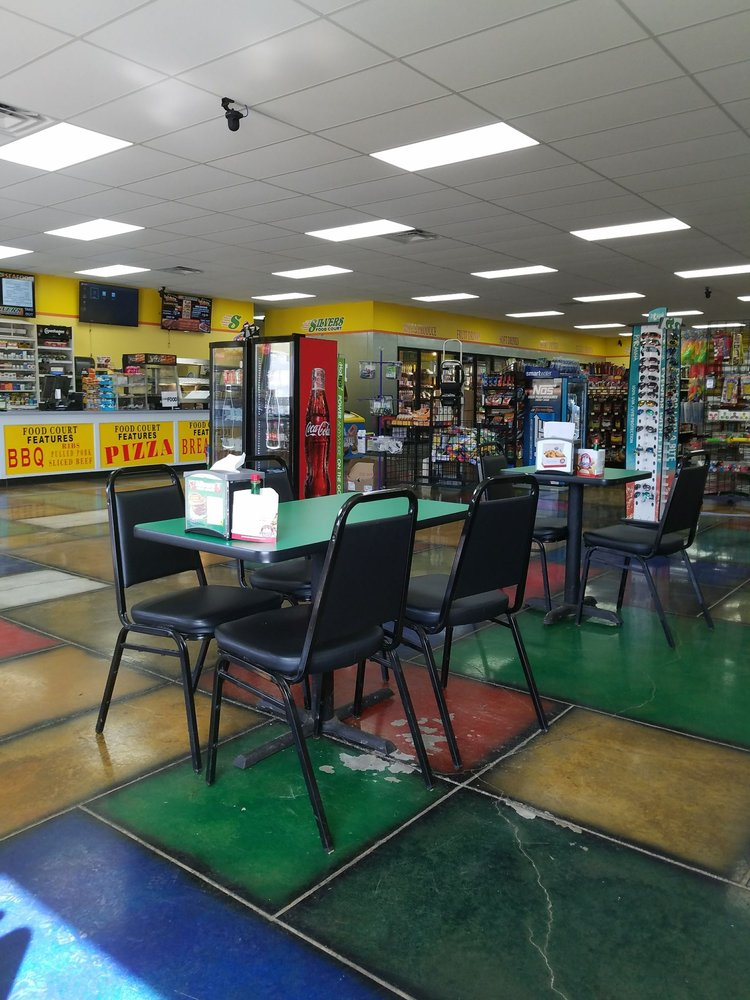 Silvers Food Court: 520 S Scenic 7 Dr, Ola, AR