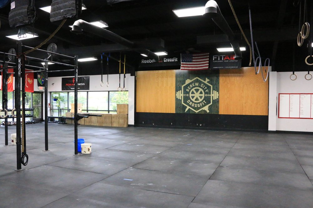 Screw City CrossFit: 7326 N Cherryvale Mall Dr, Cherry Valley, IL