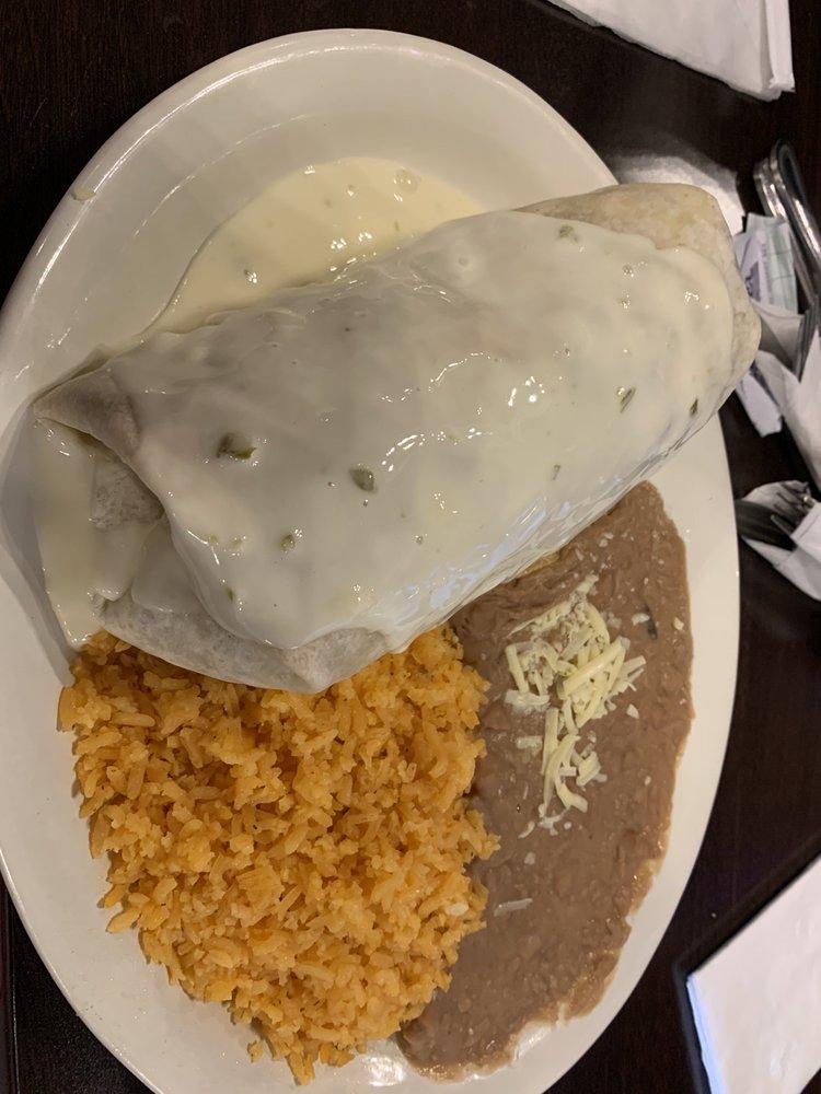 Fat Burrito Bar and Grill: 3097 Village Point, Chesterton, IN