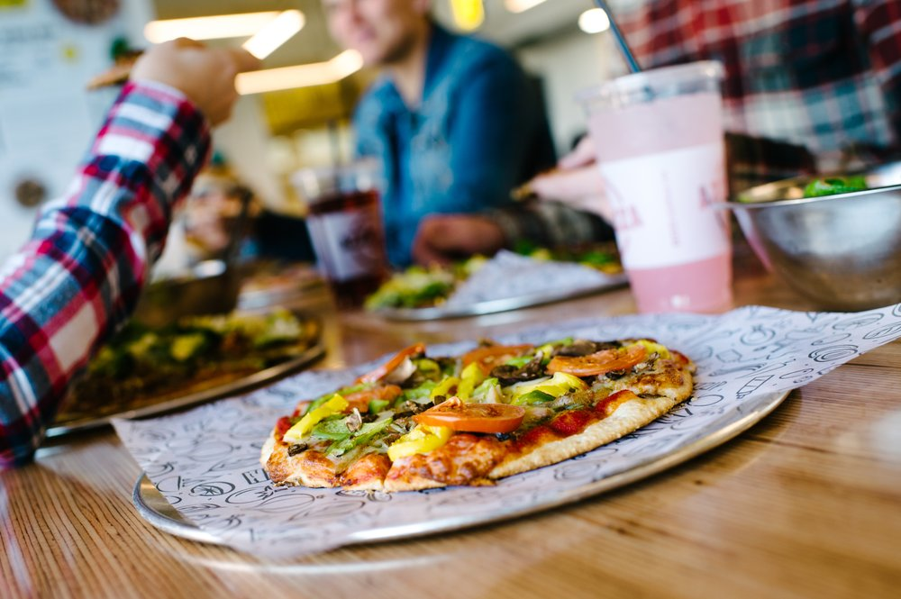Azzip Pizza: 5225 Pearl Dr, Evansville, IN