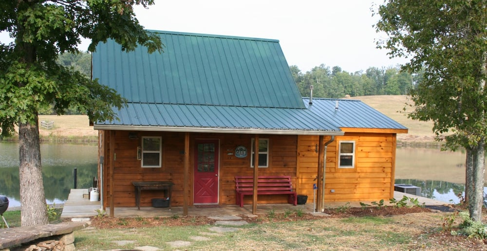 Green Pastures Getaway: 4534 Hwy 52 W, Beattyville, KY