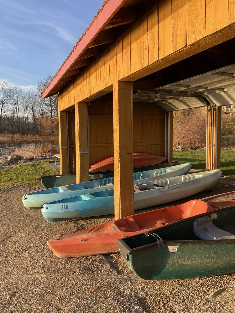Edinboro Lake Resort: 12690 Edinboro Rd, Edinboro, PA