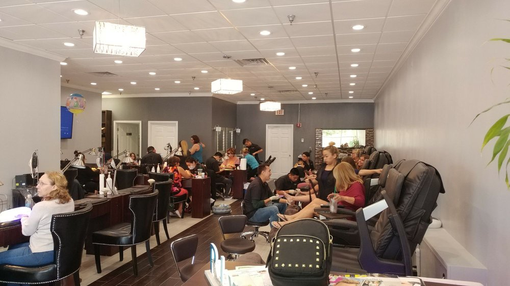 T & T Nails: 101423 Overseas Hwy, Key Largo, FL