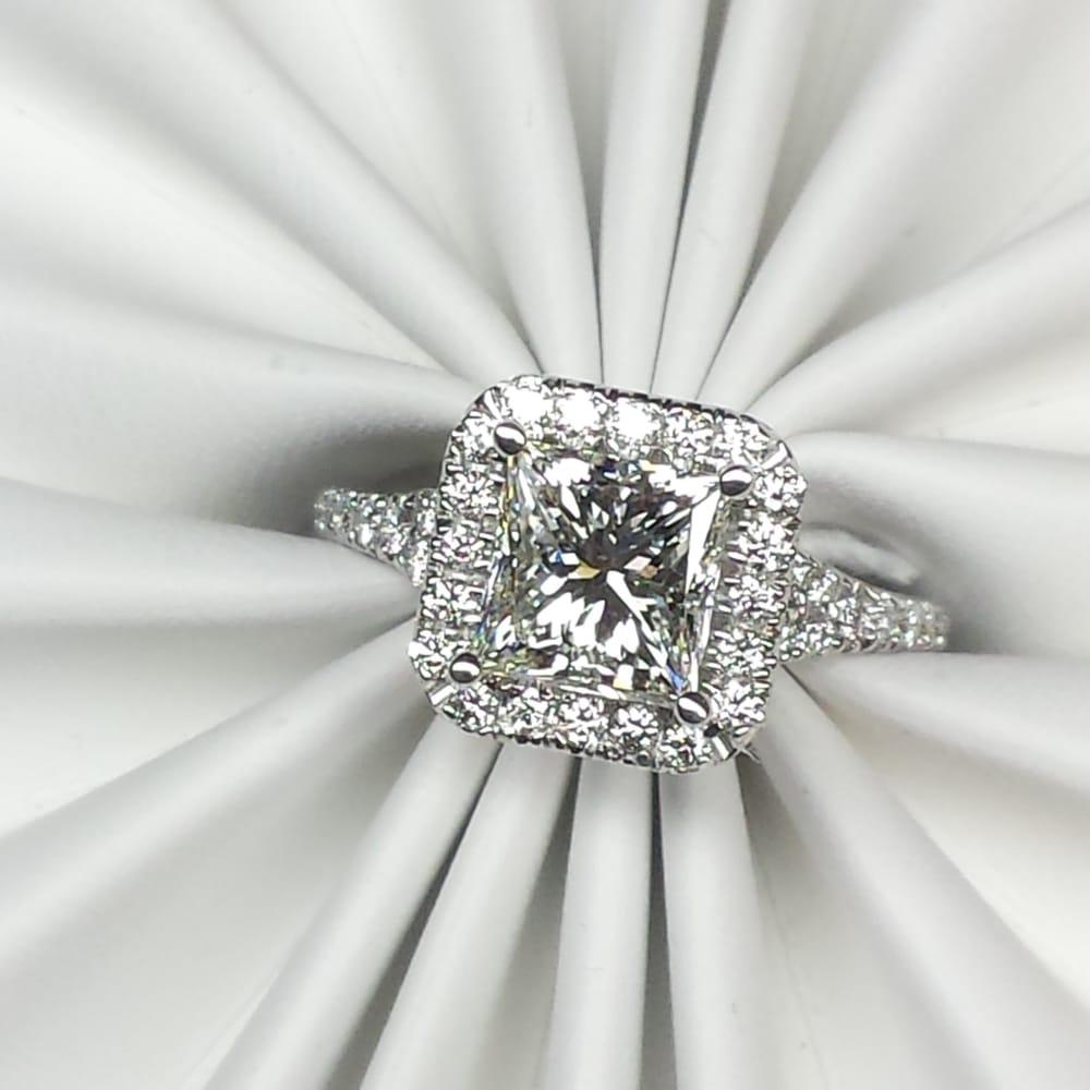 Jewels By David Lloyd: 449 N Broadway, Jericho, NY