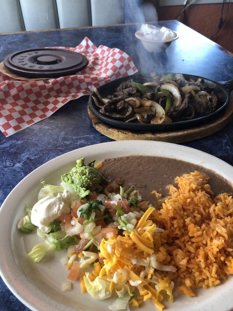 Frida's Mexican Restaurant: 1204 S Rice St, Hamilton, TX