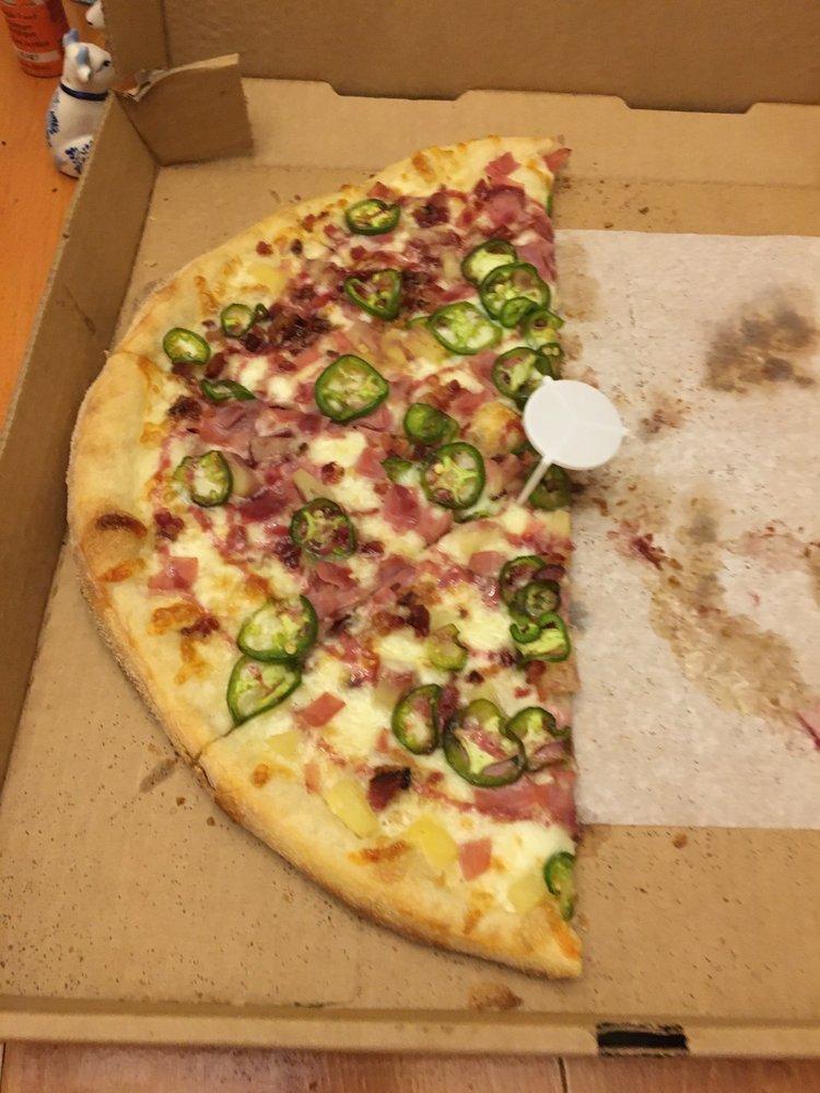 Piezan Pizzeria Italiano: 44 S Jefferson St, Winchester, TN