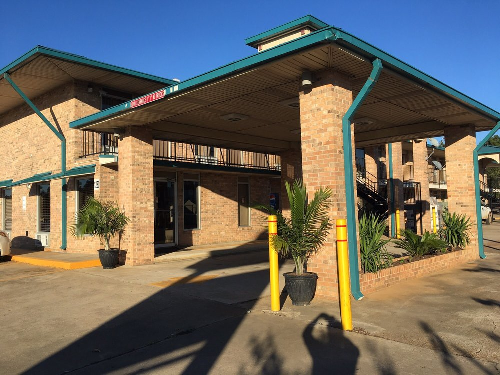 Days Inn by Wyndham Forest: 1280 Highway 35 South, Forest, MS