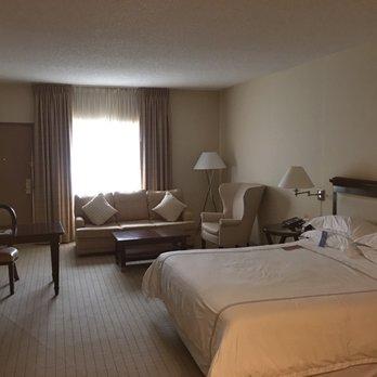 Anaheim majestic garden hotel 401 photos 362 reviews hotels 900 s disneyland dr anaheim for Anaheim majestic garden hotel yelp