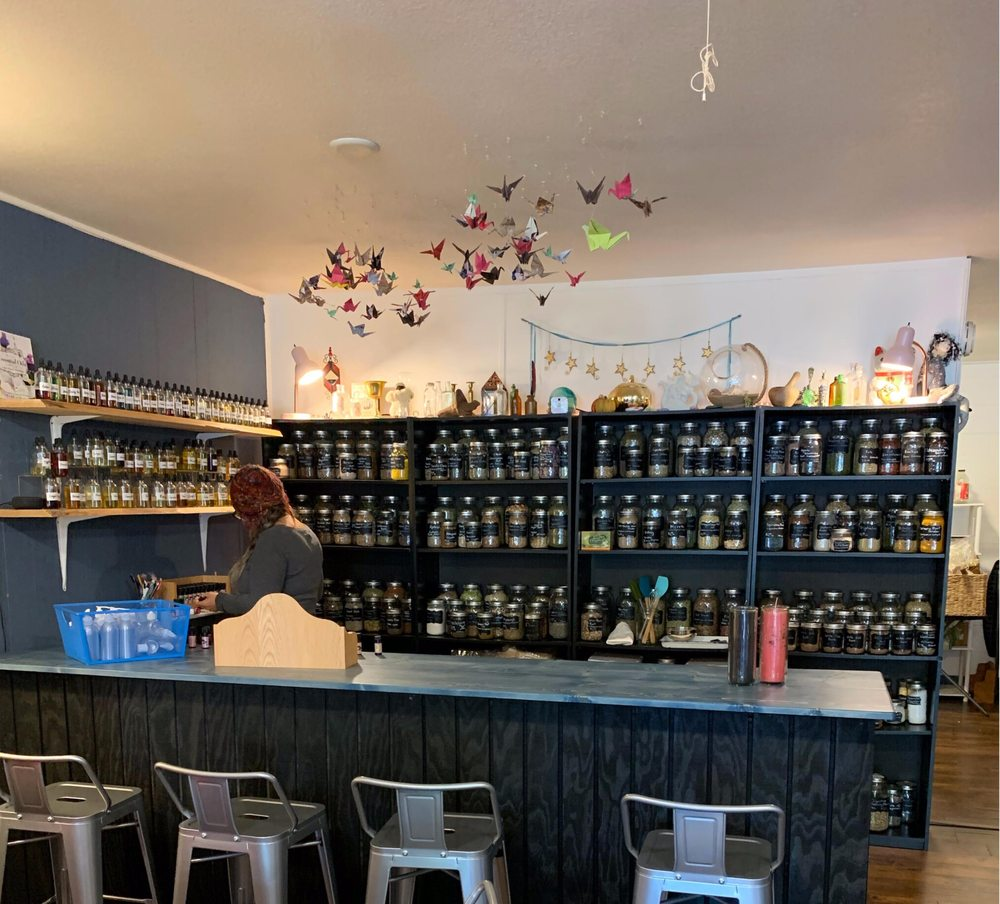 Foxglove Wellness & Apothecary: 511 Fern Ave, Brookings, OR