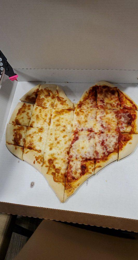 Malito's Pizzeria: 105 S Taylor St, Marengo, IL
