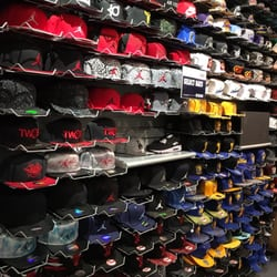 a2103f412cc Champs Sports - 98 Photos   51 Reviews - Shoe Stores - 865 Market St ...