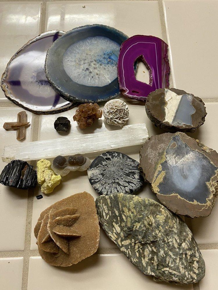 Back Country Jewelry, Rocks & Minerals: 157B Sacramento St, Auburn, CA