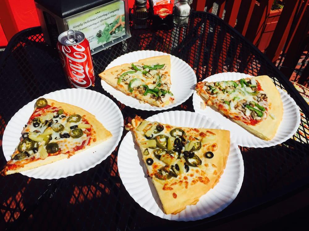 Pizza Express: 54106 Mountain Hwy E, Elbe, WA