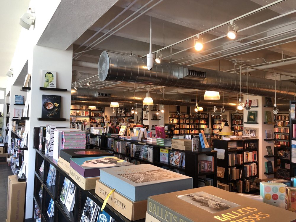 Books & Books: 9700 Collins Ave, Bal Harbour, FL