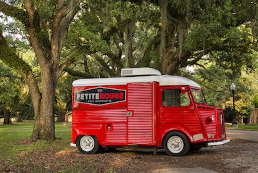 petite rouge cafe camionette 24 photos 15 reviews food trucks fontainebleau new orleans. Black Bedroom Furniture Sets. Home Design Ideas