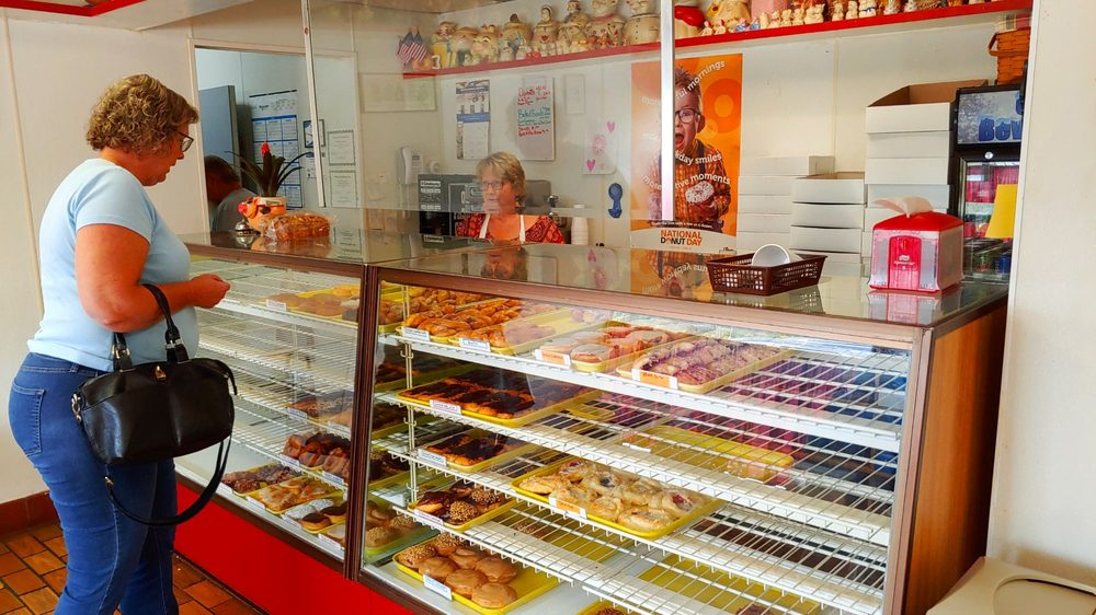 VanBrocklin's Bakery: 1129 N State St, Big Rapids, MI