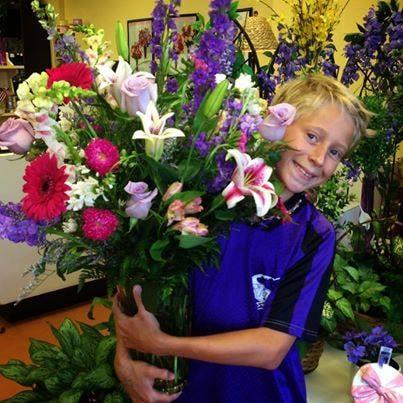 Nosegay Floral Designs: 4931 W Esplanade Ave, Metairie, LA