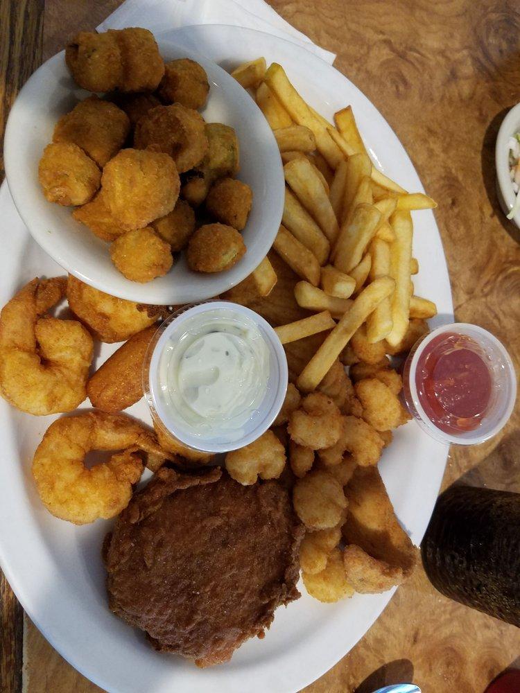 Checkers Restaurant: 9516 Windsor Blvd, Windsor, VA