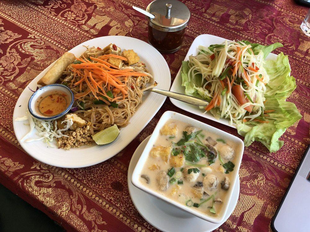 Chai Yo Thai Cuisine: 10026 W Roosevelt Rd, Westchester, IL