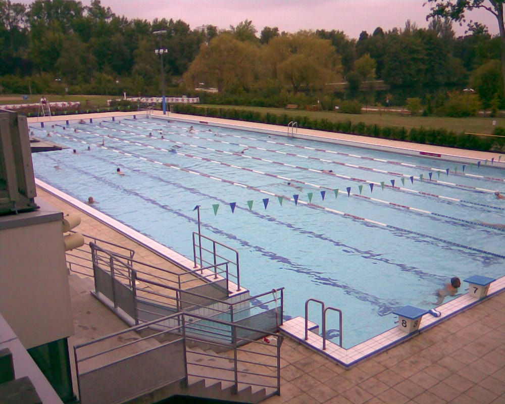 Centre aquatique du lac piscine 275 avenue de grammont for Piscine du lac tours