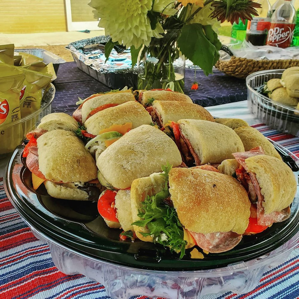 Hatch Sandwich Bar: 268 1st Ave NW, Hickory, NC
