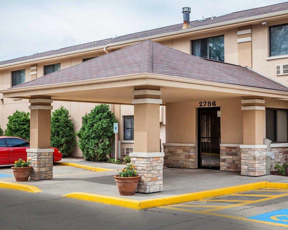 Quality Inn: 2786 Milwaukee Rd, Beloit, WI