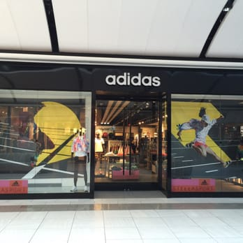 adidas outlet paramus