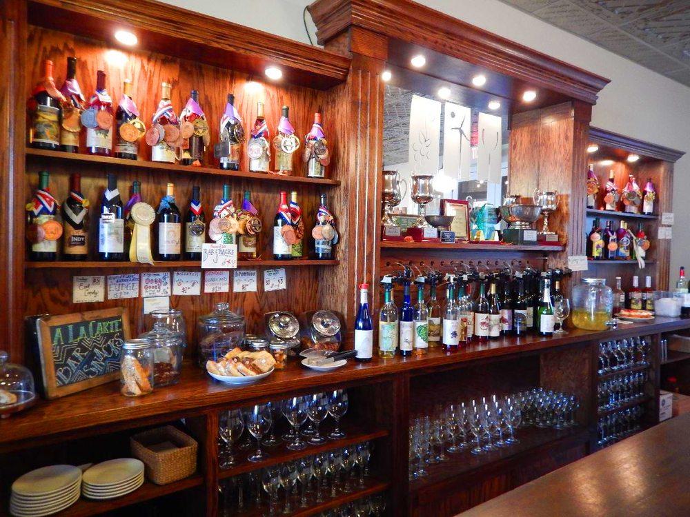 Prairie State Winery: 222 W Main St, Genoa, IL