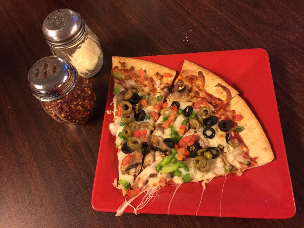 Turtlelini's Pizza and Pasta: 103 S Dixie St, Horse Cave, KY