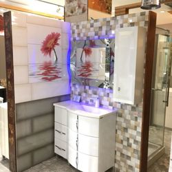 Photo of New Bathroom Style - Brooklyn, NY, United States. Welcome to our
