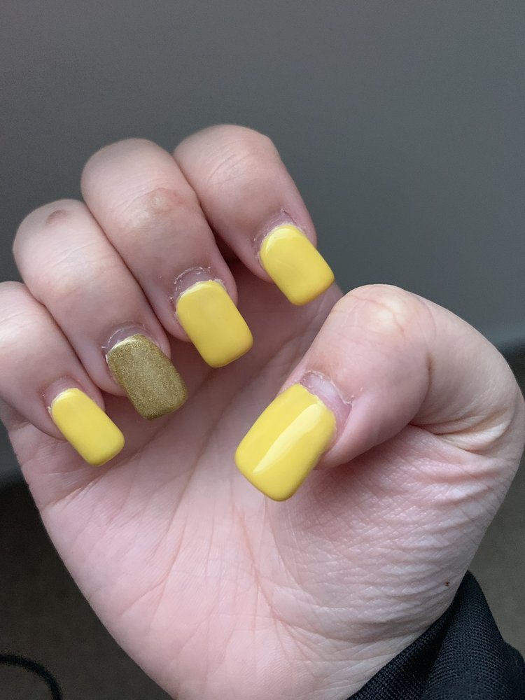 Lovely Nails: 508 10th St NW, Conover, NC