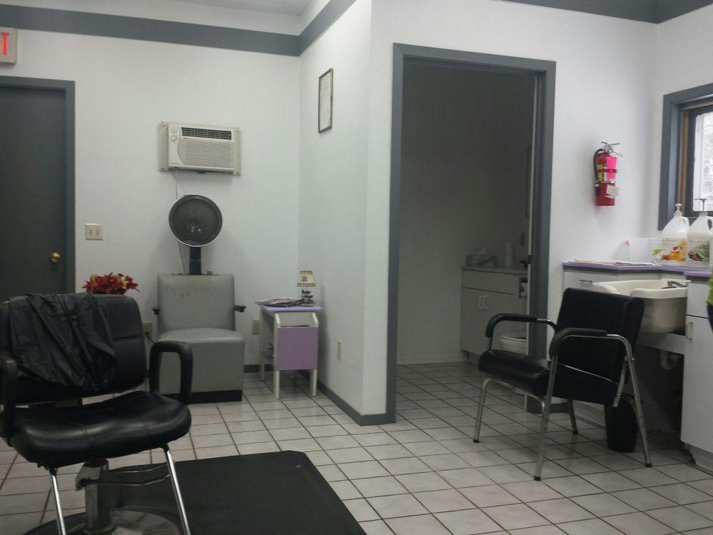 Shear Delite Hair Salon: 971 County Road Z, Arkdale, WI