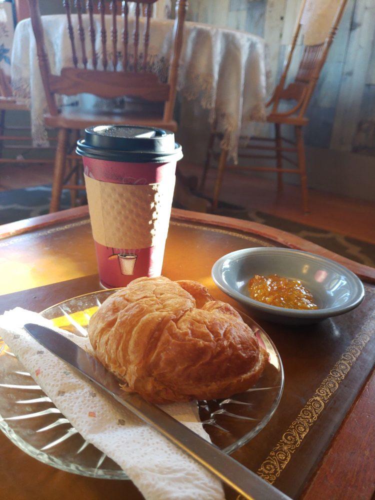 Kuna Coffeehouse and Deli: 383 N Linder Ave, Kuna, ID