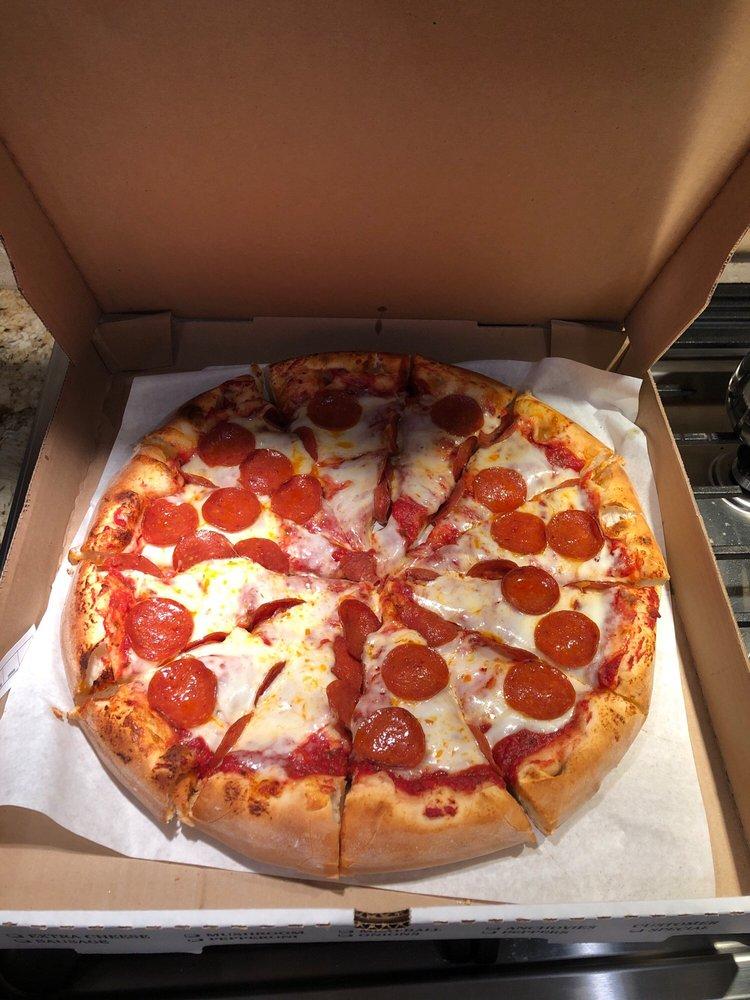 Barro's Pizza: 16130 Leffingwell Rd, Whittier, CA