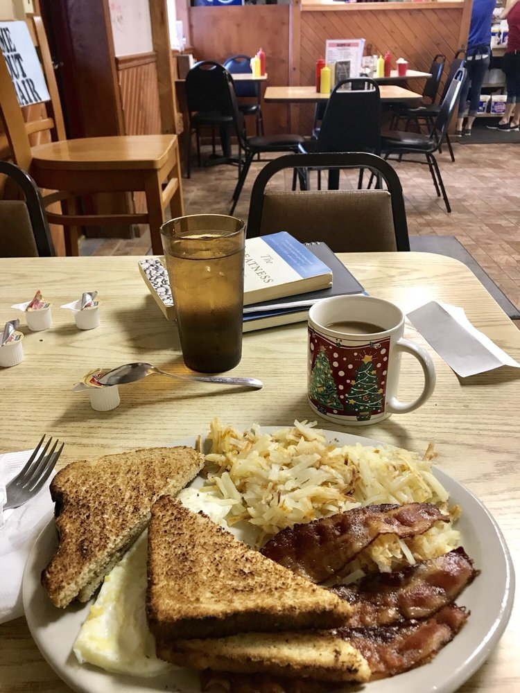 Bullshippers Cafe: 830 E Main St, Logansport, IN